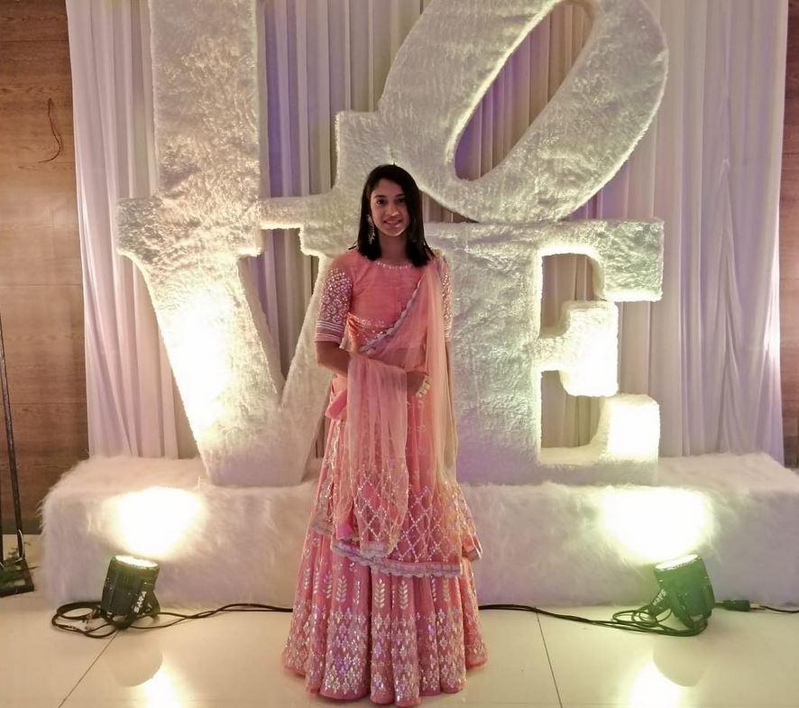 Wedding Dress: Smriti Mandhana Bio, Age, Career, Ranking & Hottest Photos